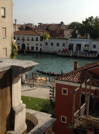 Hotel Dei Dragomanni : View of Grand Canal from our room