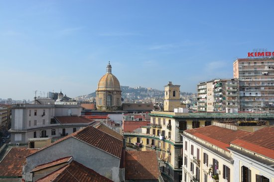 UNA Hotel Napoli: Vue depuis la terrasse de l'hôtel