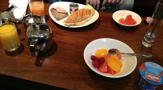 The Queens - Leeds : Breakfast for Q Club stayers