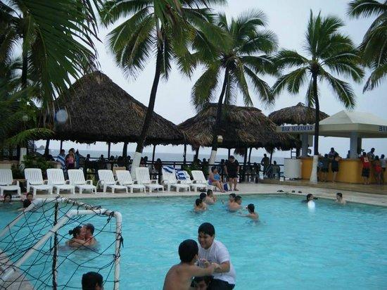 Hotel Fontan Ixtapa : area de albeca y playa