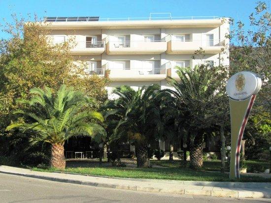 Flisvos Hotel : Outside