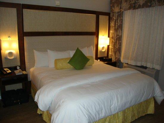 Almond Tree Inn: King Size Bed - great sleeping