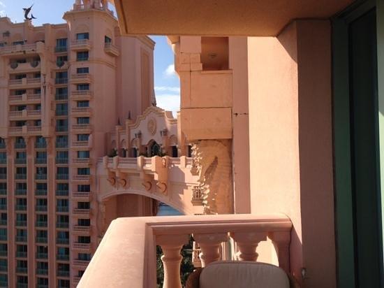 Atlantis, Royal Towers, Autograph Collection: bridge room for 25k a night