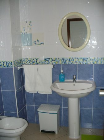 Pensao Residential Adelaide: Baño