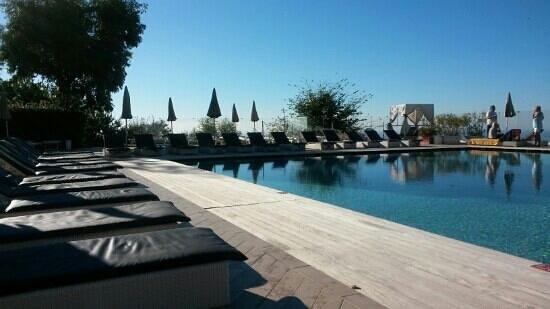 Grand Hotel Nastro Azzurro & Occhio Marino Resort: 9am on a monday morning