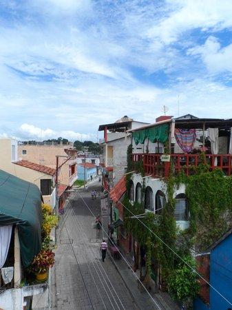 Hostel Yaxha : Die Straße von meinem Zimmer aus