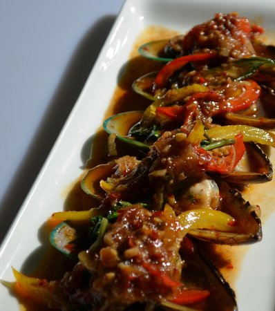 My Thai Lounge: Mussels wok-fried in Chilli Jam