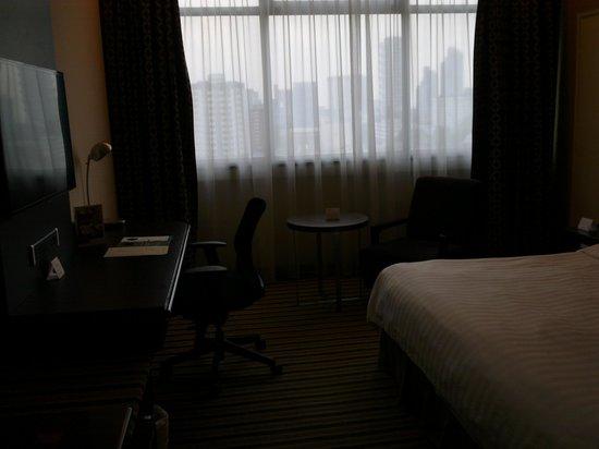 PARKROYAL on Kitchener Road: quite standard room