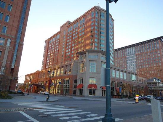 Seaport Boston Hotel : Outside