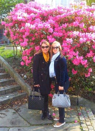 Radisson Blu Hotel Norge: Eu e Mana no jardim do Radisson Morge
