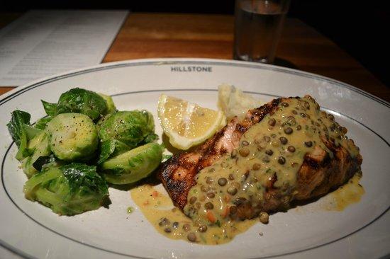 Hillstone Restaurant: salmone