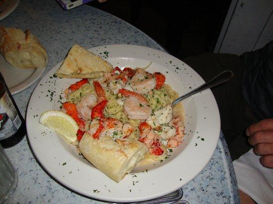Mangia Mangia Pasta Cafe : Mixed Seafood