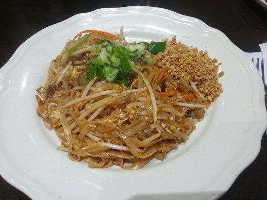 Spicy Basil: The Pad Thai
