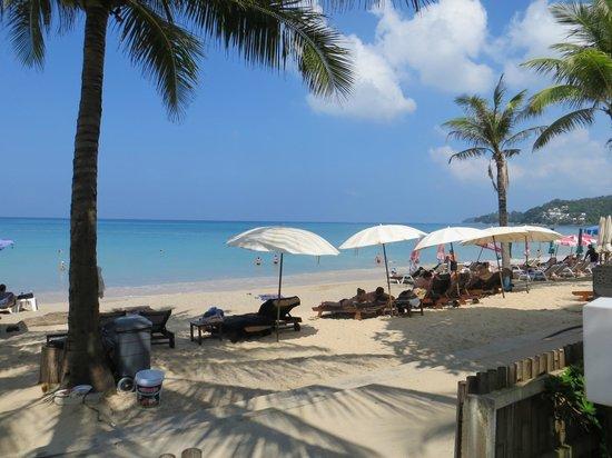 Kamala Beach Resort (a Sunprime Resort) : Direkt am Strand