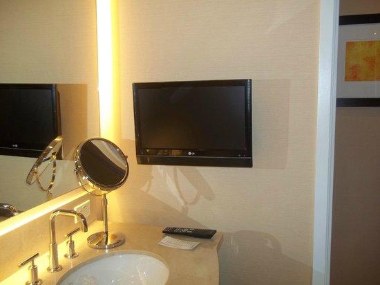 Agua Caliente Casino Resort Spa : You can watch TV and take a bath