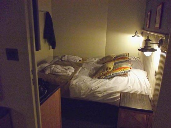 Pierre & Vacances Premium Résidence Le Domaine de Cramphore : la chambre