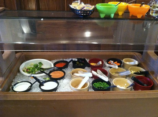 Ender's Cafe and Hotel: Salad Bar
