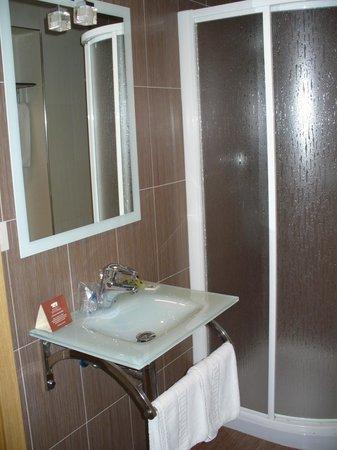 Hotel Vettonia: Baño