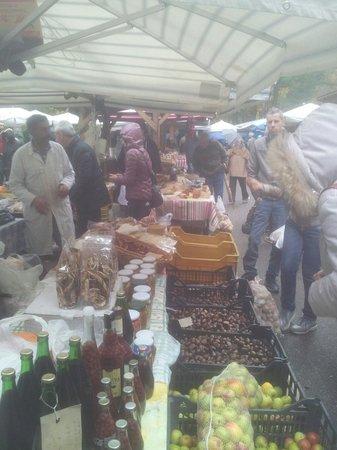 Camigliatello Silano, Italien: Nel mercatino! 10.11.2013