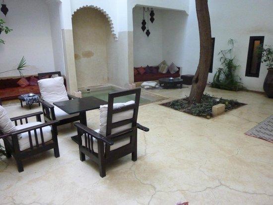 Riad Davia: Innenhof