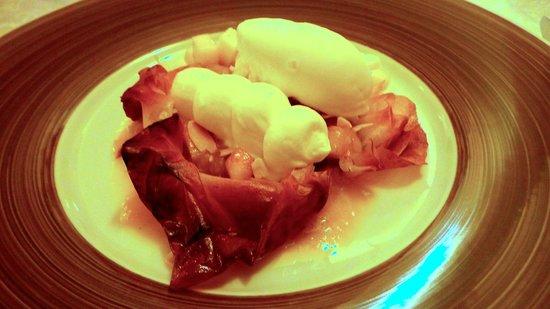 Restaurant Akashi : mango and peanut ice-cream, puff pastry