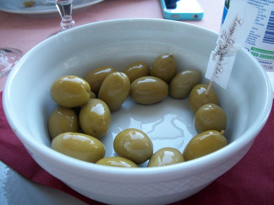 Trattoria La Paranza : Those olives!!!!  Love...