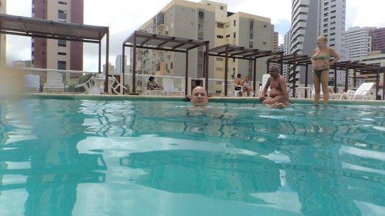 Hotel Oásis Atlântico Imperial: Área da piscina