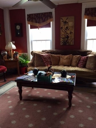 Brookside Inn at Laurens: Living room