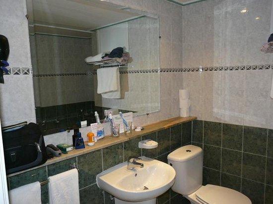 Hotel Chems : La salle de bain