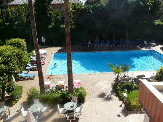 Hotel Chems : La piscine