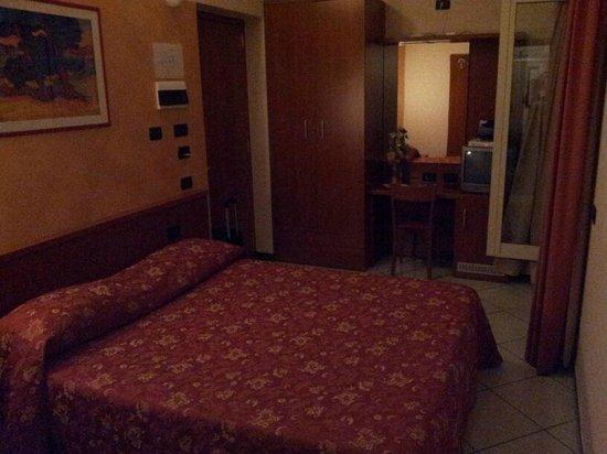 Hotel Stazione: Camera singola con letto alla francese