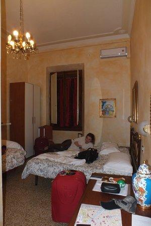 Hotel Joli: vista do quarto