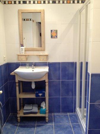 A La Maison Jaune : My bathroom...