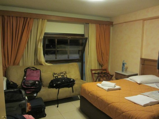 Fedriades Delphi Hotel: inside room on first floor front
