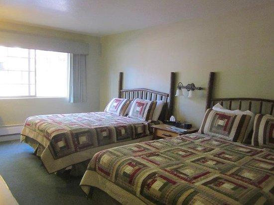 John Muir Lodge : Room 109 from the doorway.