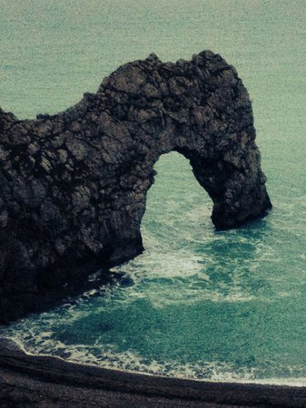 Lulworth Cove Inn: Durdle Door... A shot walk from the Cove.