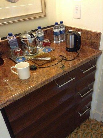 Atlantis, The Palm: Tea / coffee making facilities