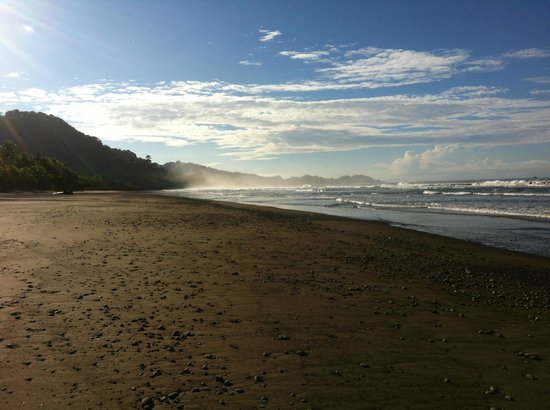 Cool Vibes Beach Hostel : Plage de Dominical