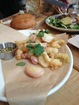 Back Forty West: Assortiment de tempura: Radis, crevettes et calamars