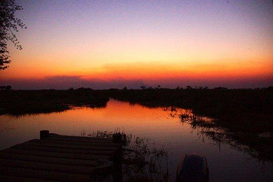 Kwetsani Camp: Sunset at the dock