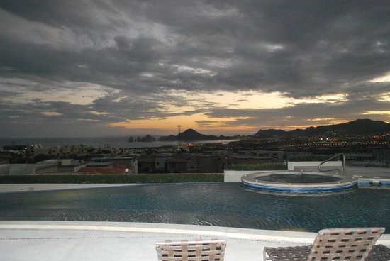 Ventanas Hotel & Residences: Sunset from our table