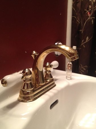 Nob Hill Hotel: Ванная