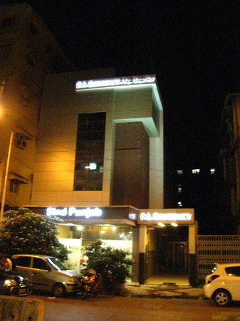 P.A.Residency: Hotel z zewnątrz, nie zdradza słabej zawartości wewnątrz