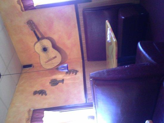 El Cactus: inside