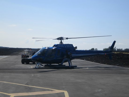 Blue Hawaiian Helicopters - Waikoloa: The blue helicopters
