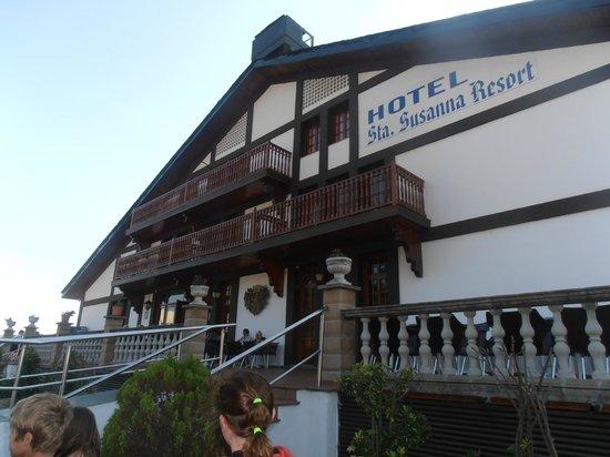 Santa Susanna Resort: front of hotel
