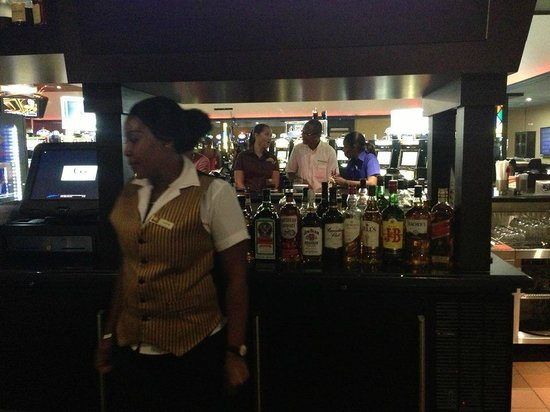 G's Sports Bar and Grill: G's Sports Bar