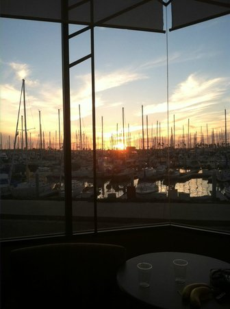 Holiday Inn Express Hotel & Suites Ventura Harbor: beautiful sunset view from our suite