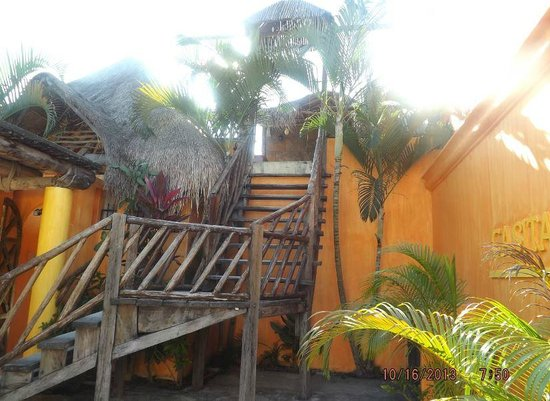 Casita de Maya: Stairway to new addition