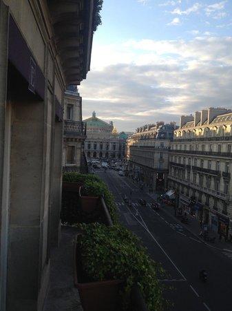 Hotel Edouard 7: Room view.